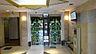 2台のエレベーターにはTVモニターがついています。エレベーターホール前です。自動販売機もあります。,2LDK,面積48.6m2,価格4,380万円,東京メトロ丸ノ内線 新宿御苑前駅 徒歩8分,都営新宿線 曙橋駅 徒歩7分,東京都新宿区富久町9-11