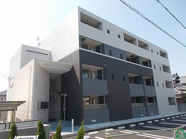 ステラ アイエス 4階の賃貸【兵庫県 / 姫路市】
