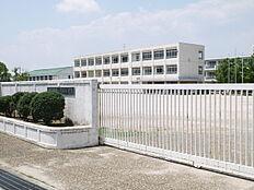 稲美町立天満小学校まで1415m