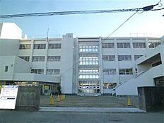 土浦市立土浦第二中学校(2518m)