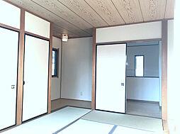 2F南西側和室。こだわりの広縁があり趣のある居室です。(2)