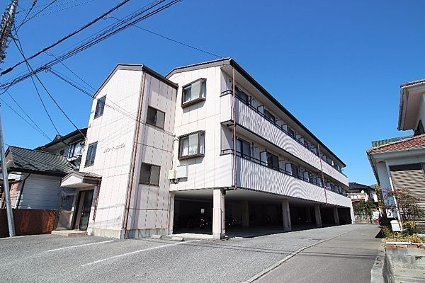 メゾンドエルヴェ 3階の賃貸【山梨県 / 甲府市】
