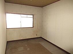 北側洋室:アクセントクロスでリフォームし、個性を出すのもいいですね。