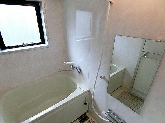 浴室に窓がござ...