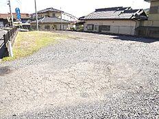 土地面積は約185坪です。