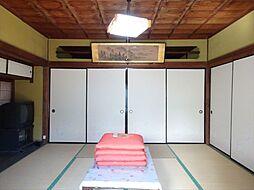 南西8帖和室には収納が付いています
