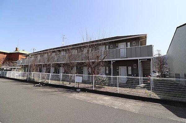 大阪府大東市中垣内4丁目の賃貸アパートの外観