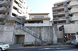 川崎街道沿い高幡不動駅徒歩7分