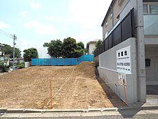 お写真右側辺りが通路となり、駐車スペースとなります。(平成30年6月2日撮影)