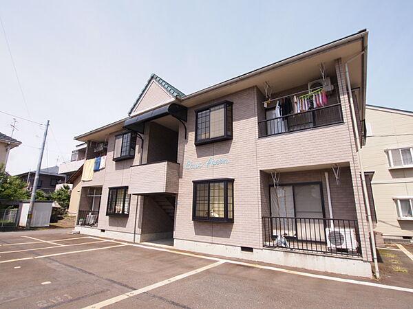 新潟県新発田市豊町4丁目の賃貸アパートの外観