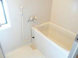 グランドール濱口の浴室(ガス給湯) 小窓あり