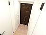 壁面には玄関収納がございますので散らかりがちな玄関もスッキリできそうです。,3DK,面積50.16m2,価格3,599万円,JR中央線 国立駅 徒歩3分,,東京都国立市中1丁目