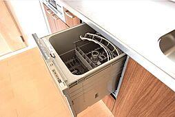 家事の時短に役立つ食洗機付きです。