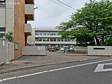 青梅市立霞台中学校 距離680m