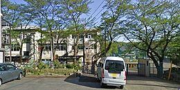 八王子市立由井第三小学校まで589m