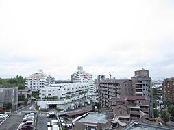明るい陽射しが射し込む約11帖超のリビングダイニングから見渡せる南西側眺望(名古屋駅方面)
