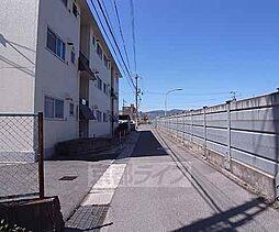 京都府向日市上植野町伴田の賃貸マンションの外観