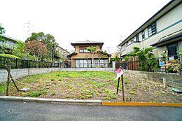 現地は建蔽率40%・容積率80%の一種低層住居専用地域ですので、通風良好。