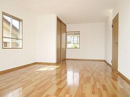 「2階主寝室」クロス張替、フローリング新品