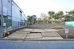 京王井の頭線「東松原」駅より徒歩約7分です。