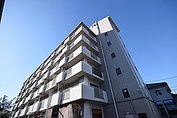ルネ・アルマーニ[2階]の外観
