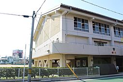 豊橋市立松山小学校(749m)