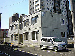 北海道札幌市東区北十三条東2丁目の賃貸アパートの外観