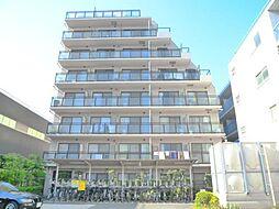 エスエスハイツ市川の大きなマンションです。