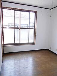 2階南西側洋室