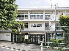 小学校 700m 調布市立緑ケ丘小学校