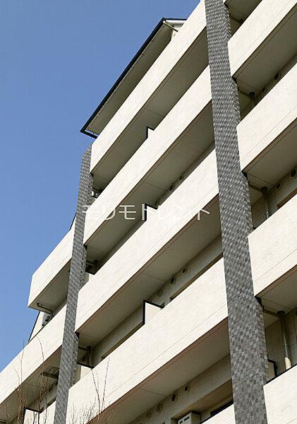 カスタリア新宿夏目坂[2階]の外観