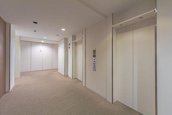 エレベーターホ...