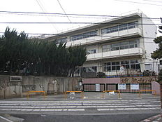 西東京市立谷戸第二小学校まで681m、西東京市立谷戸第二小学校まで徒歩約9分。