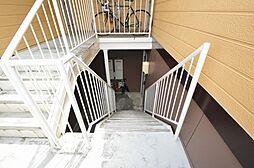 外壁、共用階段の状態も良好