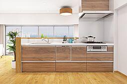 ビルトイン式の食器洗い乾燥機を標準設置しています。家事の手間を大幅に軽減してくれるお役立ちアイテムは、洗浄力が高いうえ、除菌効果にも優れています。完成イメージパースです。