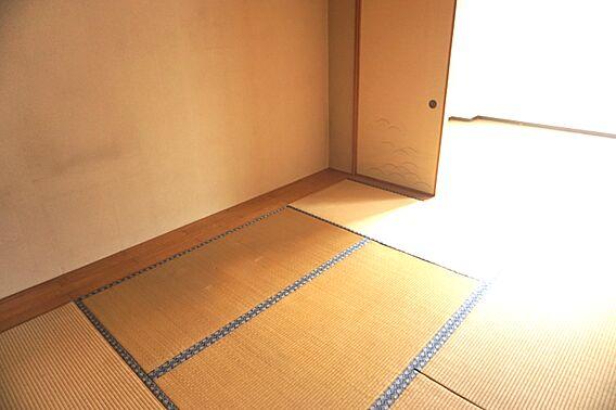 畳のお部屋は寛...