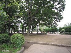公園赤松公園まで833m