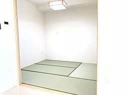 約4.5帖の和室。お子様のお昼寝場所にも最適。