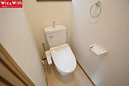 1階・2階ともに温水洗浄便座です。