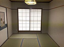 和室は障子でモダンな雰囲気です。