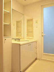 リノベならではのタイルや照明にこだわった造作洗面台のお造りも得意としております。H30.10月