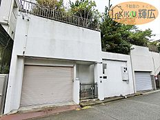 土地面積165.90平米の売地です。建築条件はございませんのでお好きなハウスメーカーでご自宅が建てれます