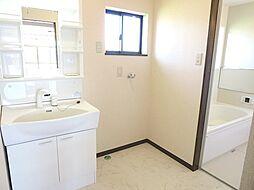 リフォーム済洗面室です。ハウステック製750mmタイプの洗面化粧台を新設しました。