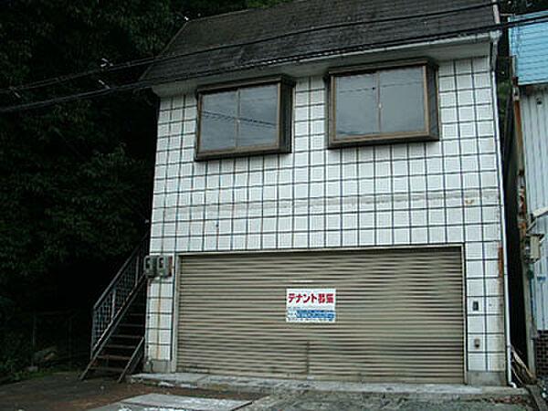 奈良県奈良市あやめ池南7丁目の賃貸アパートの外観