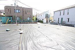 ~建築条件なし宅地分譲~ 周囲は低層住宅が広がる閑静な住宅地、陽当たりも良好です