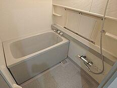 浴室乾燥機付きで雨の日でも安心