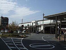 JR武蔵野線「新座」駅1745m 横浜市「鶴見」駅から船橋市「西船橋」駅を結ぶ鉄道路線である