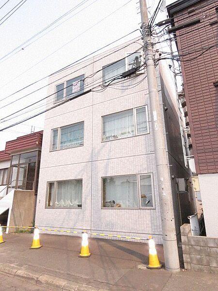 fiore 2階の賃貸【北海道 / 札幌市白石区】