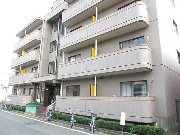 ふじやマンション[4階]の外観