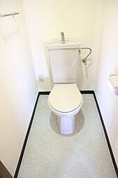 アリヴィラ15のゆったりとした空間のトイレです